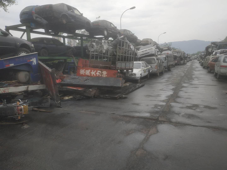 重庆黄标车回收拆解,黄标车回收,覃师傅报废车服务,黄标车回收,哪里有黄标车回收,高价黄标车回收,